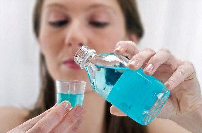 Có nên sử dụng nước súc miệng thường xuyên